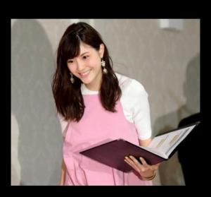 佐藤ありさの笑顔(マタニティ画像)。第1子妊娠6ヶ月と出産予定日(子供の性別は?)長谷部誠との結婚生活