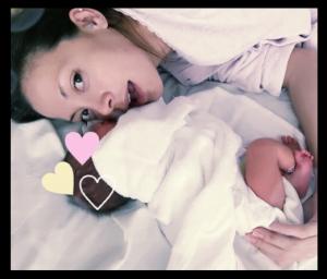 土屋アンナが第3子出産(性別女)。名前と画像。子供と旦那と今後