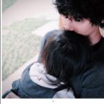 水嶋ヒロが愛娘を抱きしめる画像(インスタ)。娘の年齢と顔と名前は?(進学予定の学校は?)